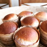 いちごのパン